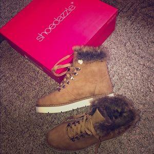Shoedazzle fur camel color hiker boots